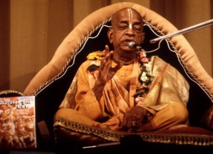 Prabhupada Instructs Jayadvaita